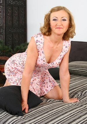Granny On Knees Pics