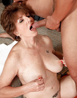 Granny gives grandpa a mornning bj 6